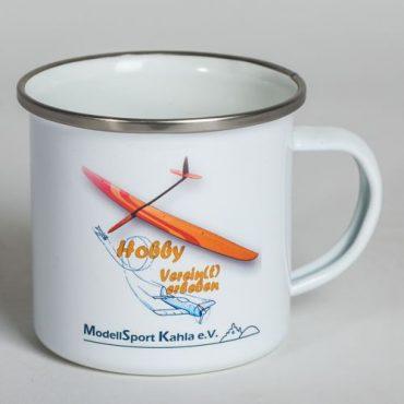 Emaille Tasse mit Edelstahrand und mit Logo bedruckt.