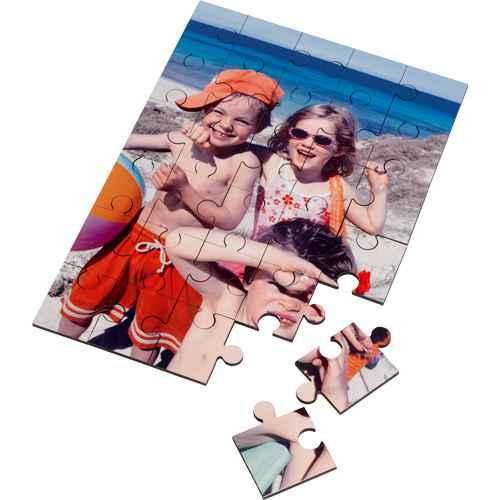 Holzpuzzle mit einem Bild in Fotoqualität bedruckt.